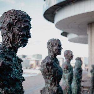 Statues & Centrepieces